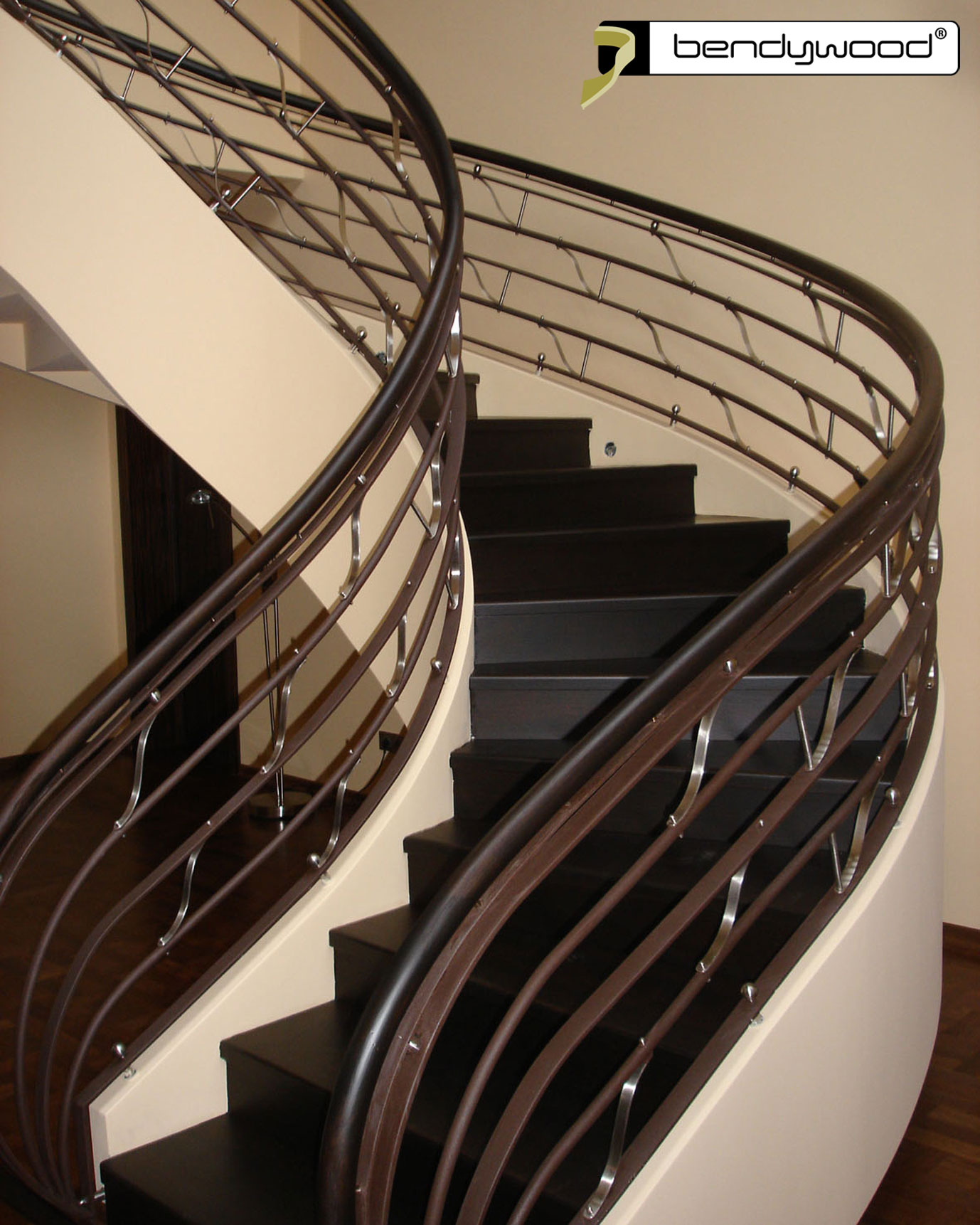 Bending stair handrails in Bendywood®-beech for staircase