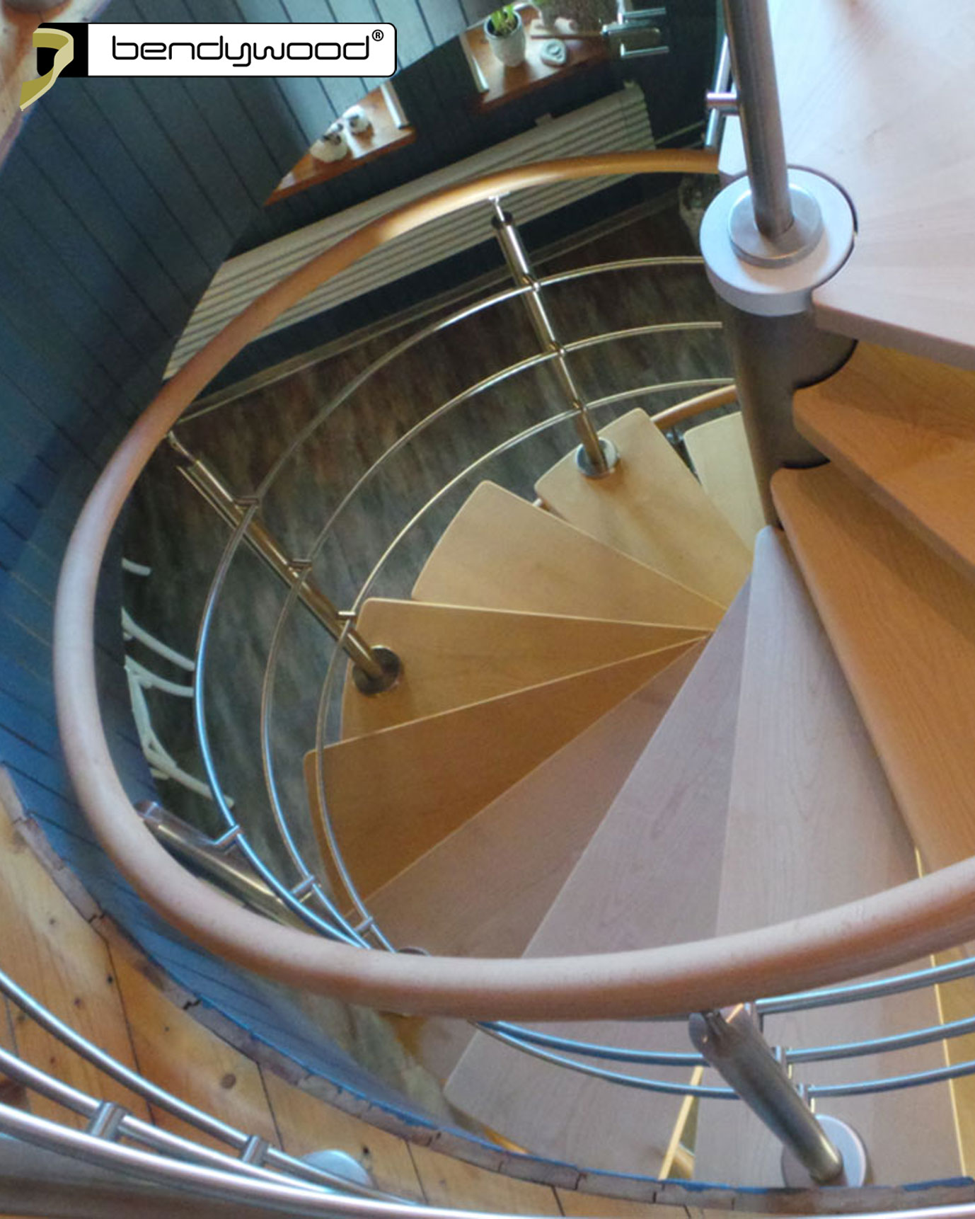 Bent wooden handrails 42mm in Bendywood® beech for spiral staircase